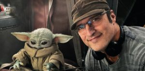 Видео: Роберт Родригес и малыш Грогу весело проводит время на съёмках «Мандалорца»